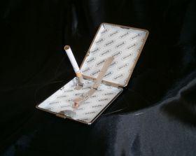 Фокус-Прикол с ползущим портсигаром.