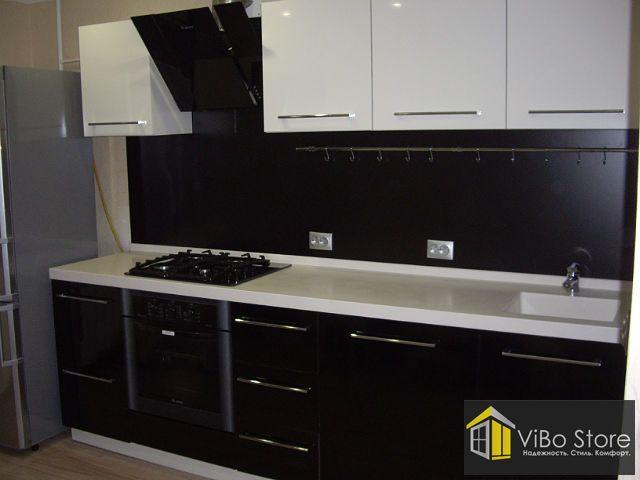 103 Однорядная кухня черный низ белый верх