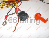 Кнопка включения и провода для подключения.