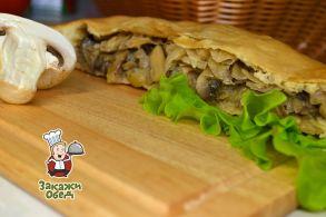 Пирог из сдобного теста с капустой, грибами (2,3 кг.)