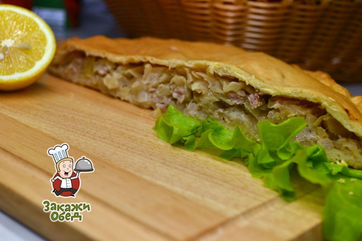 Пирог из сдобного теста с капустой, мясом (2,3 кг.)
