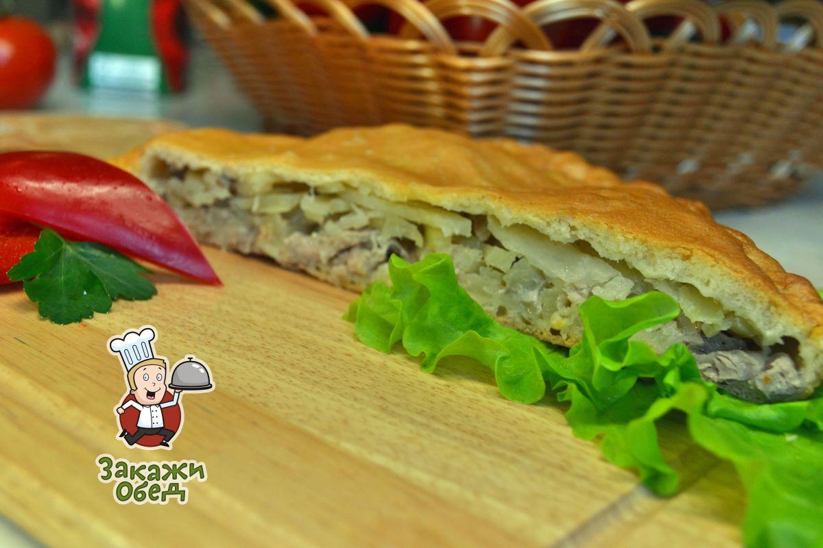 Пирог из слоеного теста с картофелем, мясом (1,2 кг.)