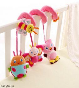 Подвеска-спираль на кроватку и коляску Розовая
