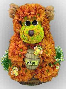 Игрушка из цветов Медвежонок с медом