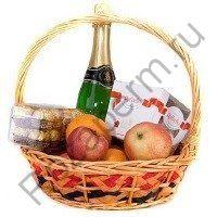 Подарочная корзинка с фруктами, конфетами и шампанским