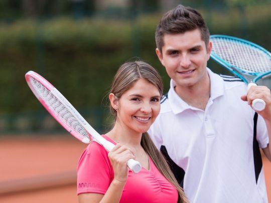 Урок игры в большой теннис