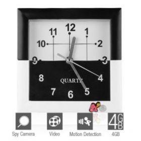 Настенные часы со скрытой видеокамерой и датчиком движения.