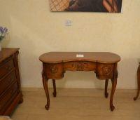 письменный стол деревянный, резной. Элитная мебель из массива дерева