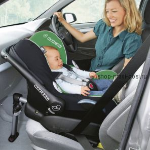 Pebble (Пеббл) с платформой 2wayFix Детское автокресло Maxi-Cosi Pebble с рождения и до 9 месяцев