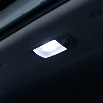 Оригинальный плафон в потолок над багажником, MOBIS