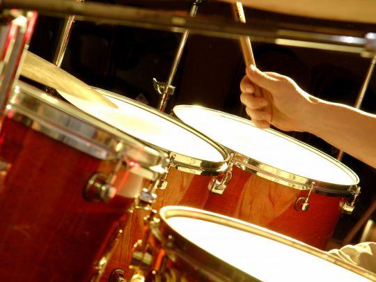 Урок игры на барабанах