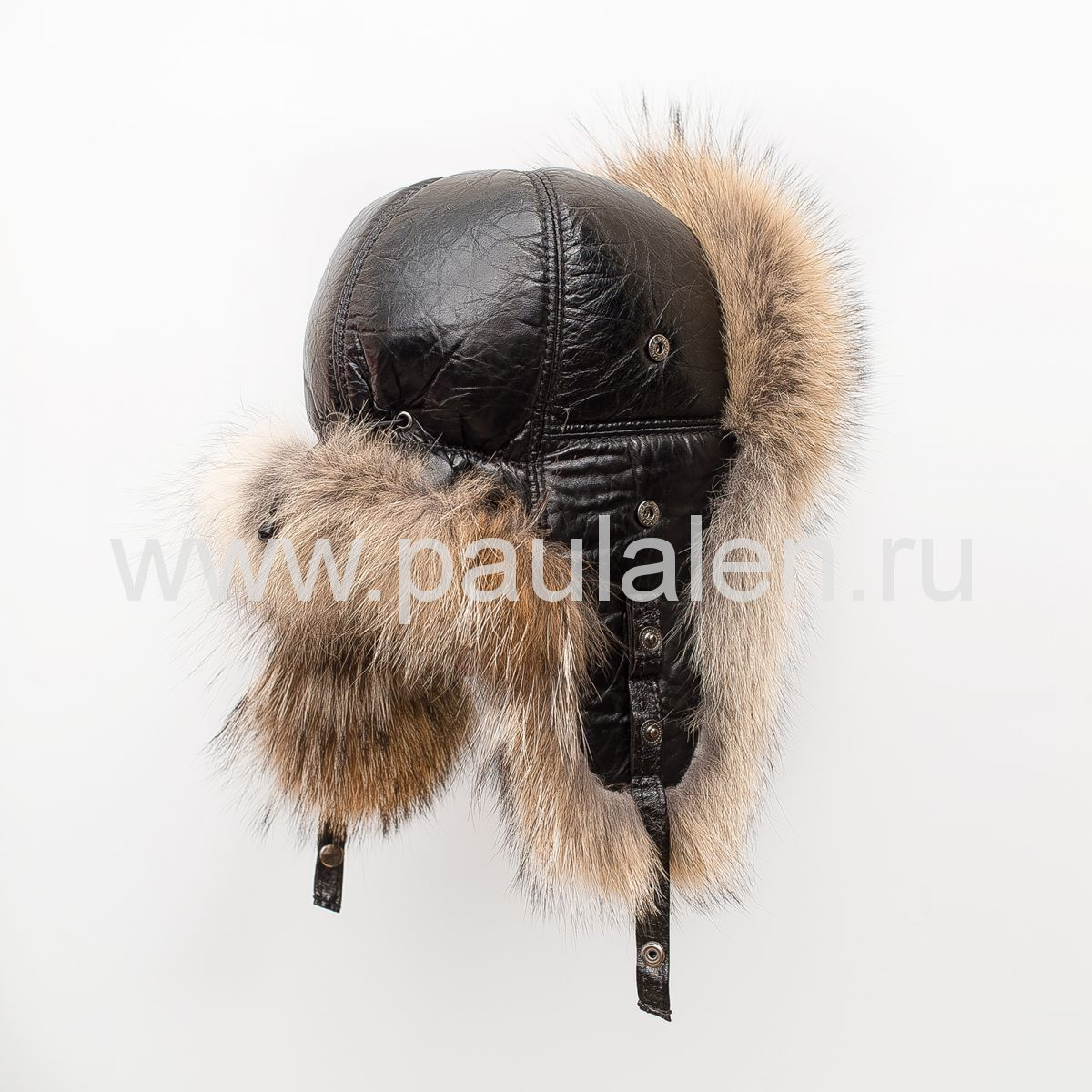 Женская шапка из волка