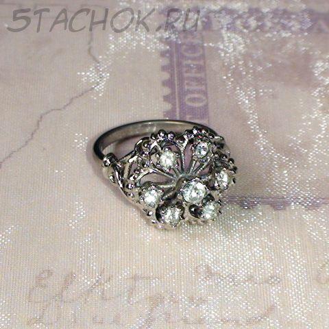 Кольцо нежное под серебро