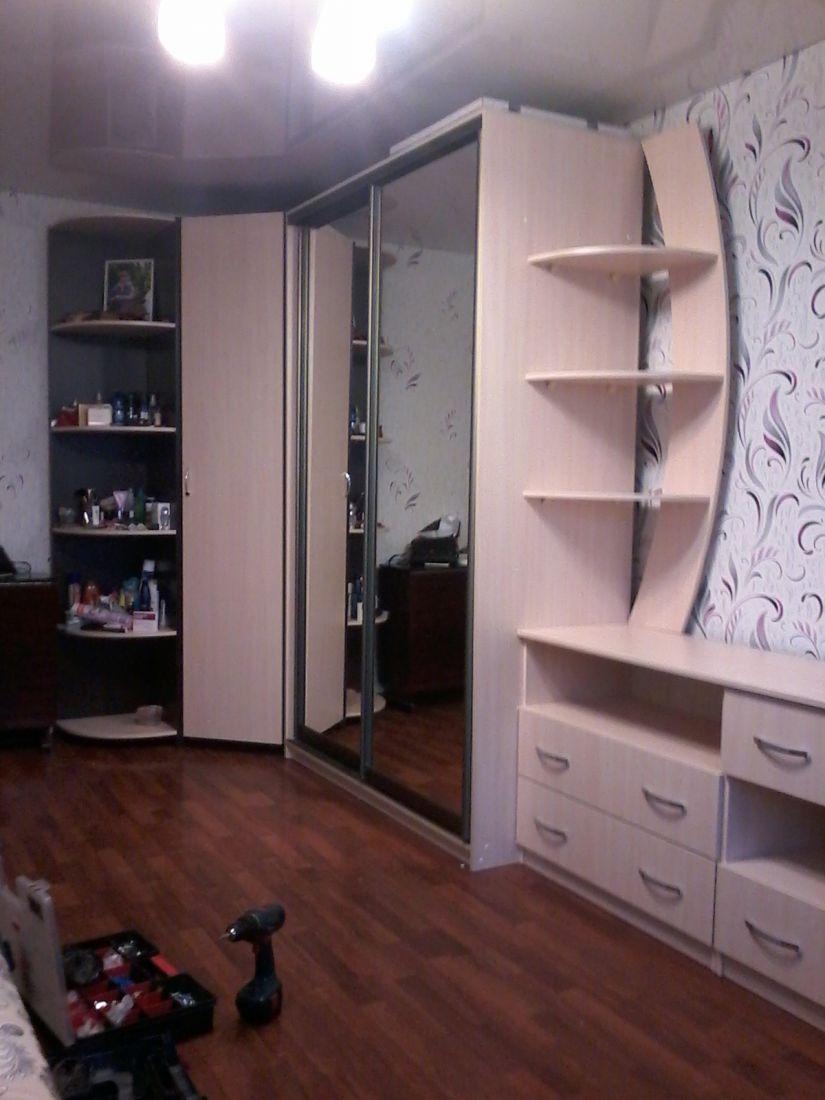 Шкаф-купе+комплекс TV c ящ. + угловой шкаф с полками.