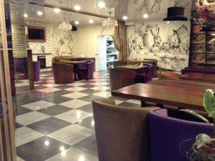 Продаю ресторанный бизнес в Октябрьском р-не г. Иркутска в торговом центре.