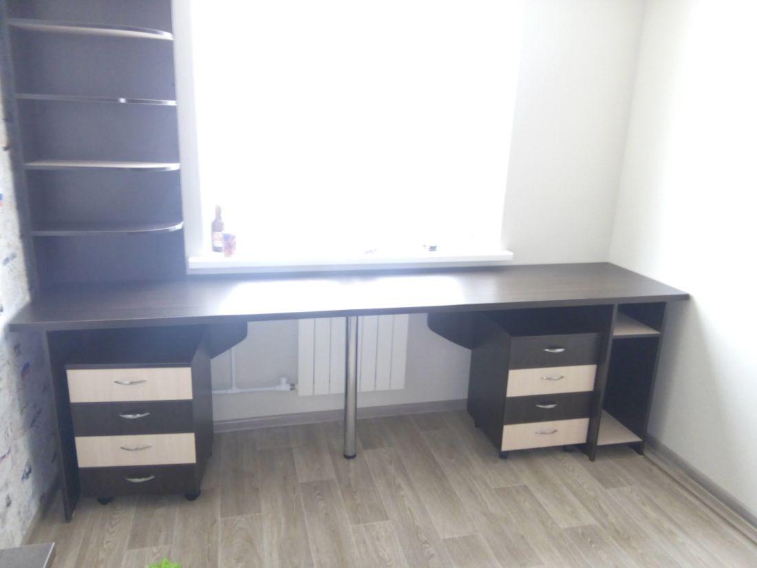 Компьютерный 2-х тумбовый стол