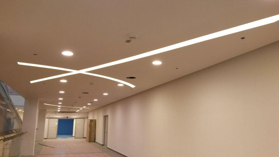 Натяжной потолок в торговый центр