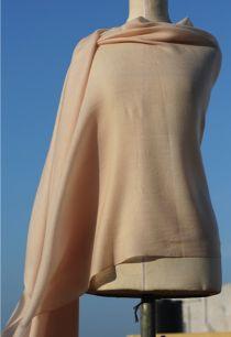Кремовый палантин из шерсти с кашемиром (под заказ)