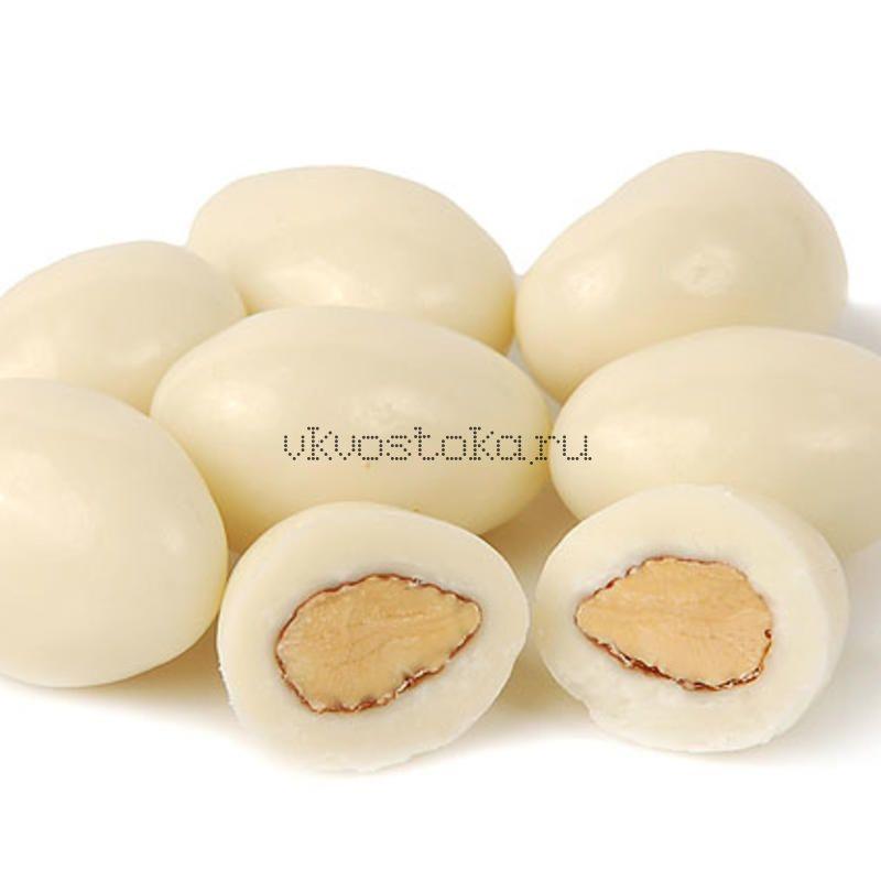 Миндаль в белом шоколаде 100гр