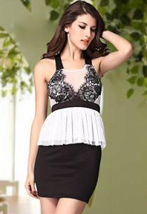 Контрастное мини платье с баской