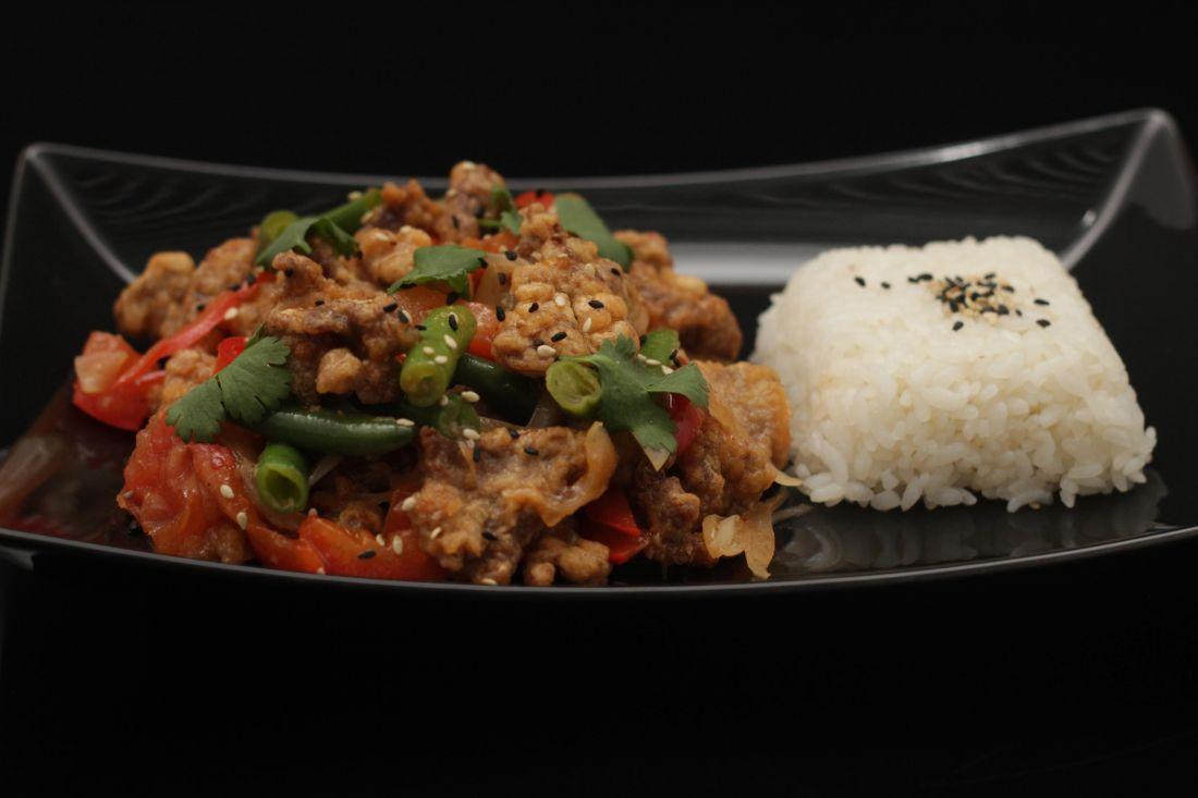 Говядина по сычуански с паровым рисом
