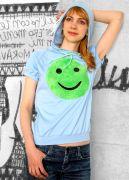 Голубая женская футболка Улыбка сшита из натуральной ткани.