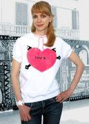 футболка Love is