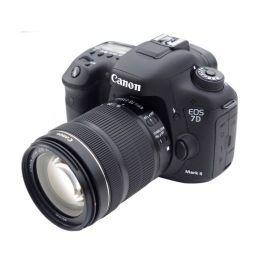 Canon EOS 7D Mark II kit 18-135 MM  IS