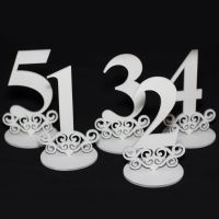 Цифры на стол из дерева белые