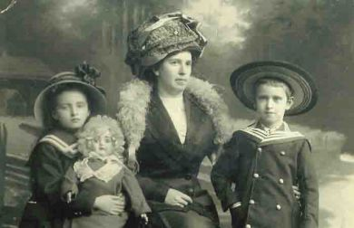 Лена Кабалевская, Надежда Александровна Кабалевская, Митя Кабалевский (1912 г.
