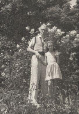 С дочкой Машей. Мисхор (1956 г.)