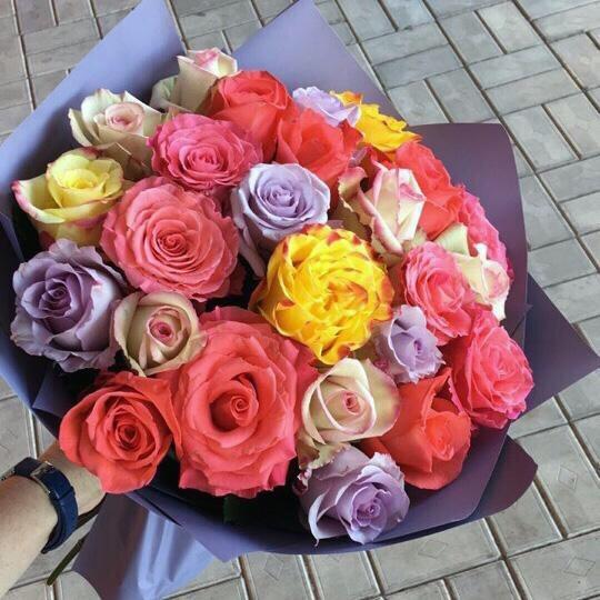 25 эквадорских роз (микс)