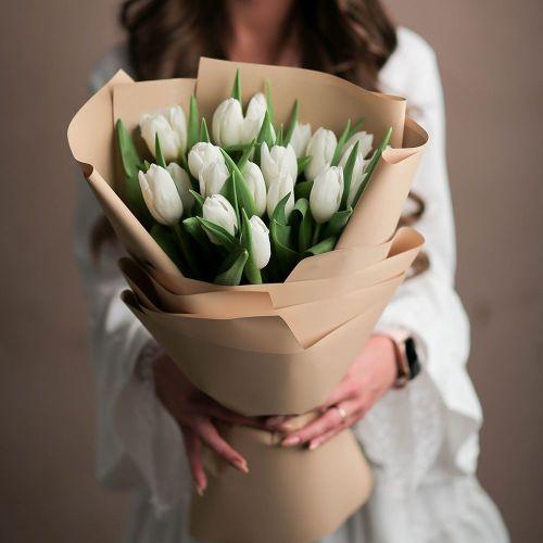 Букет цветов из 15 тюльпанов
