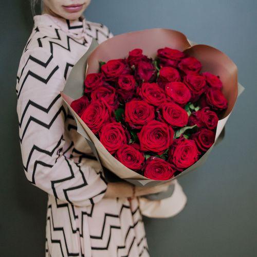 Букет цветов из 25 красных роз