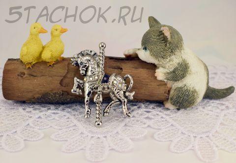"""Брошь """"Карусельная лошадка"""" цвет серебра (Danecraft США)"""