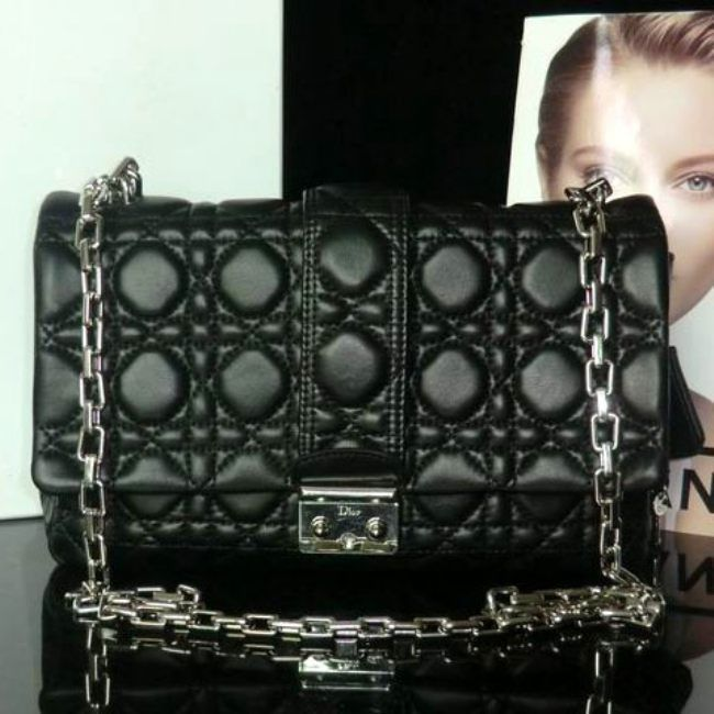 Сумка Miss Dior от Christian Dior