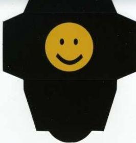 Картонная упаковка  чёрная смайл ( 50 шт)