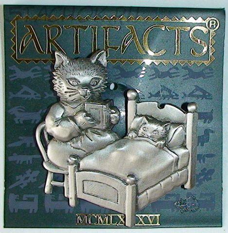 """Брошь """"Кошка читает на ночь книжку котенку"""" под серебро"""