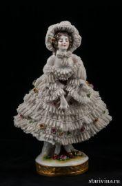 Девушка в кружевном капоре, кружевница, Volkstedt, Германия, до 1935 г., артикул 00475