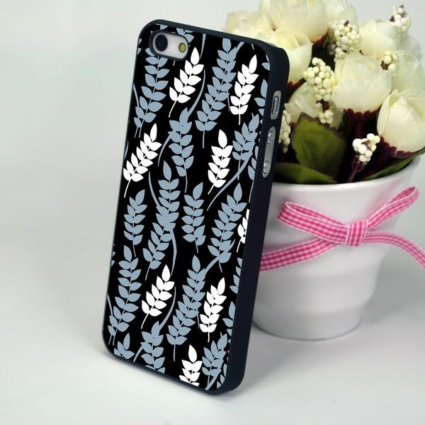 "Панель для iPhone 4, 4S ""Twigs Pattern"""
