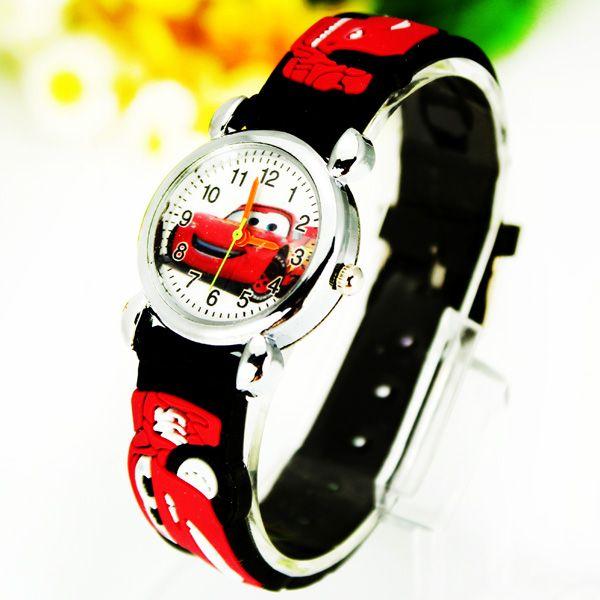 Черные наручные часы Молния Маккуин
