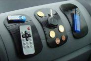Коврик-держатель телефона в авто