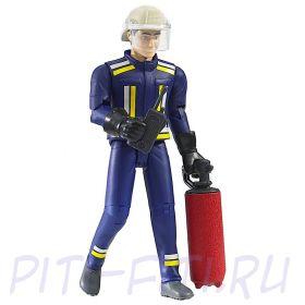 Bruder. Брудер Фигурка пожарного, 107 мм с огнетушителем и рацией