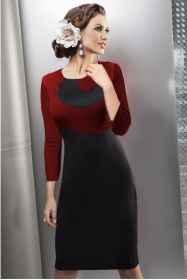 Черно-бордовое трикотажное платье