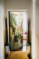 Наклейка на дверь - старые улочки Греции 2 | магазин Интерьерные наклейки