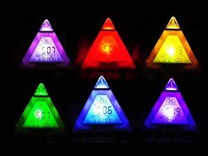 Будильник-пирамидка (меняет цвет)