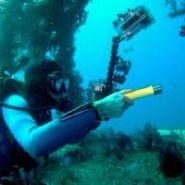 Герметичный водонепроницаемый  фонарик для аквалангистов