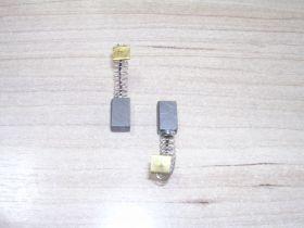 Щетка уг.HITACHI 6,4х7,4х12 Пруж.квадр, пятак-зацеп, отстрел 1 (в коробке)   №690