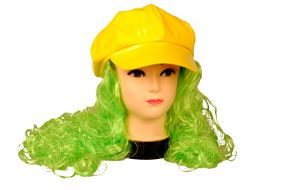 Кепка с париком зеленого цвета