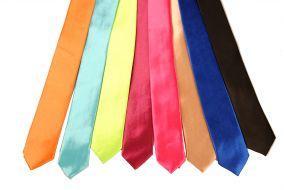 Галстуки разноцветные яркие